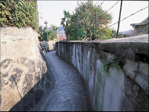 東土堂新道アパートの塀