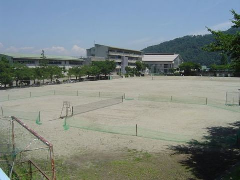 市川中学校