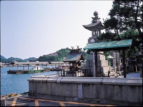住吉神社の常夜灯