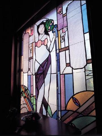 喫茶孔雀荘のステンドグラス