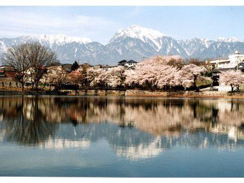 長坂湖(牛池)