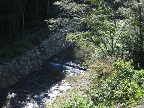 奥の湯温泉付近