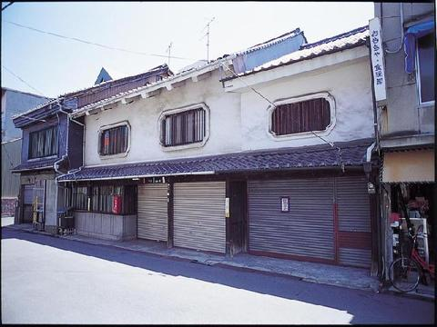 福善寺下の土蔵群