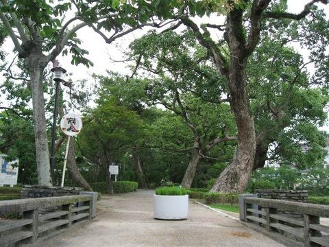 佐賀県立佐賀城公園遊歩道