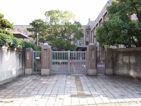 大阪市内専門学校跡