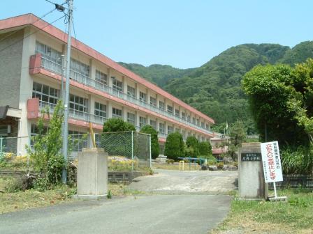 旧片岡小学校