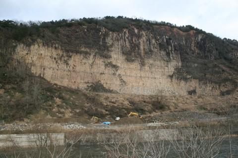 富枝砕石場跡