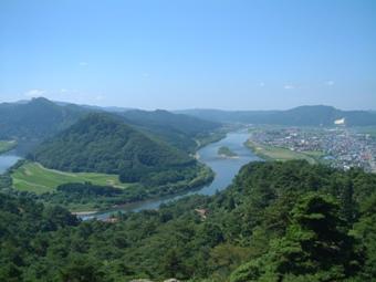 mount nanakura & yoneshiro river