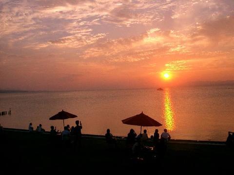 Evening sun in Shinji lake