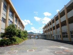 旧矢掛商業高校跡地